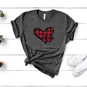 B2G1 Buffalo Plaid Hearts Unisex T-shirt Plus Size